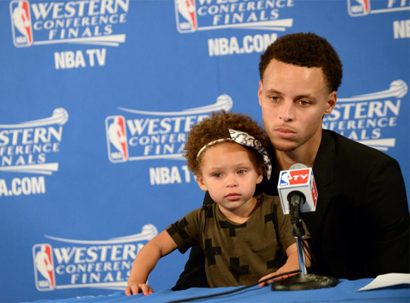 inside image 4 Stephen Curry and Daughter