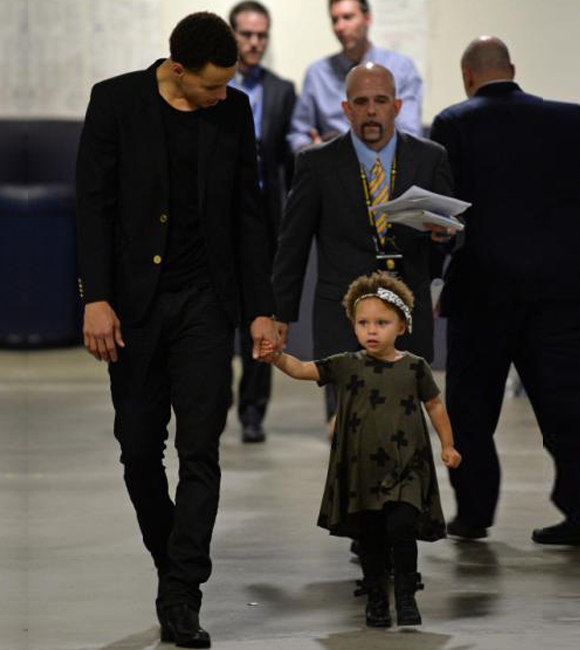inside image Stephen Curry and Daughter 2