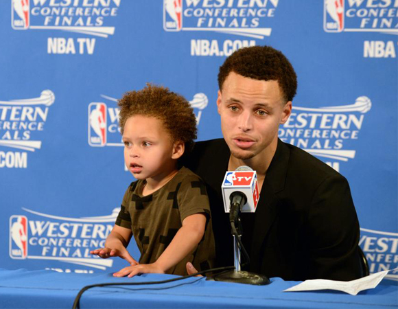 inside image 4 Steph Curry with daughter Riley