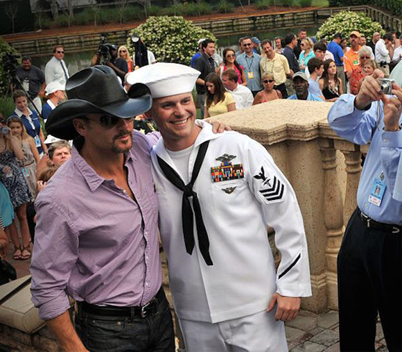inside image 2 Tim McGraw give houses to Vets
